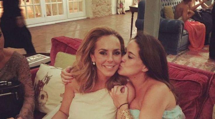 Rocío Carrasco se ha casado con un vestido sencillo y el pelo suelto
