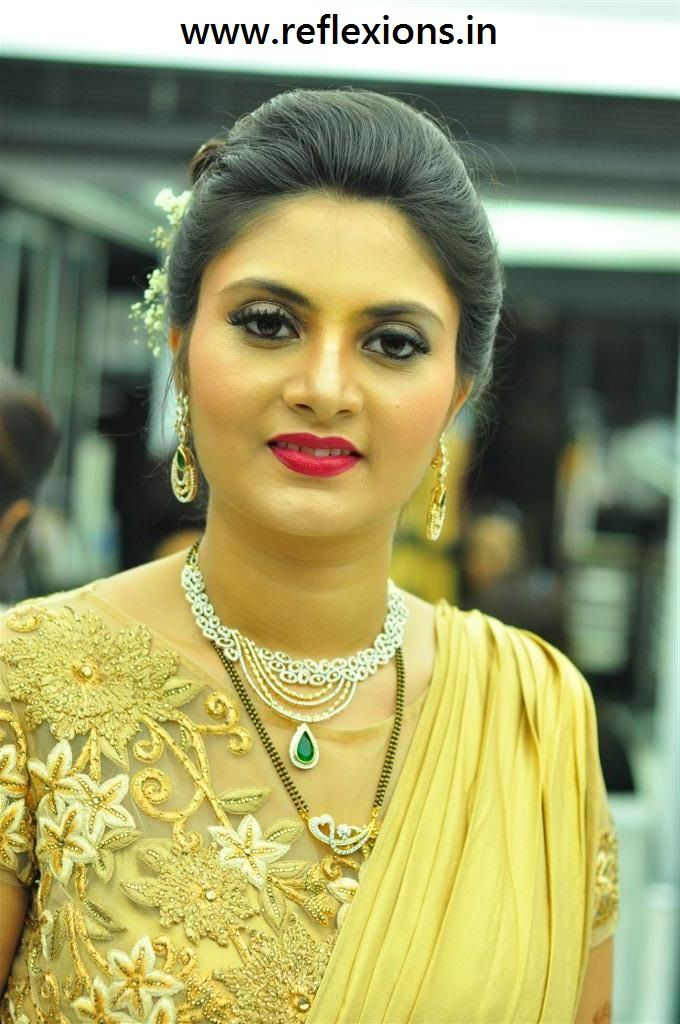 #MakeupSurat #BridalMakeup #Reflexions #Salon #MakeupVadodara - www.reflexions.in