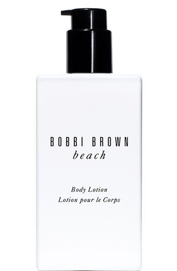 his lightweight body moisturizer contains a soothing and hydrating blend of aloe vera and olive, jojoba and sunflower oils. Helps reduce peeling and prolong the life of your tan. Green tea and vitamin E provide antioxidant protection. Freshly scented with 'beach' fragrance.