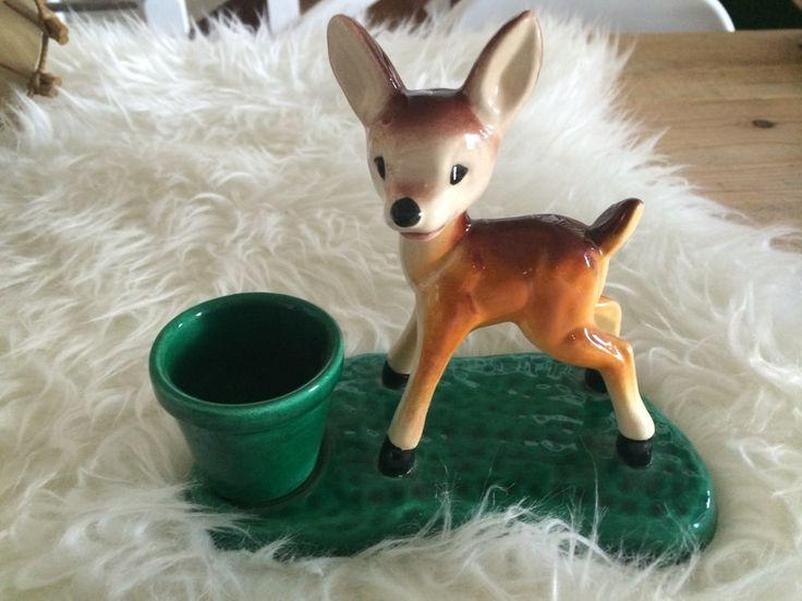 Kitch mais tellement doux ! Pot à crayon bambi estampillé vallauris.Dimension: 15cm de hauteur par 18 cm de longueur  expédié via mondial relay