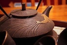 Risultati immagini per teiere in ghisa giapponesi