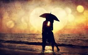 parejas abrazadas y con un paraguas - Buscar con Google