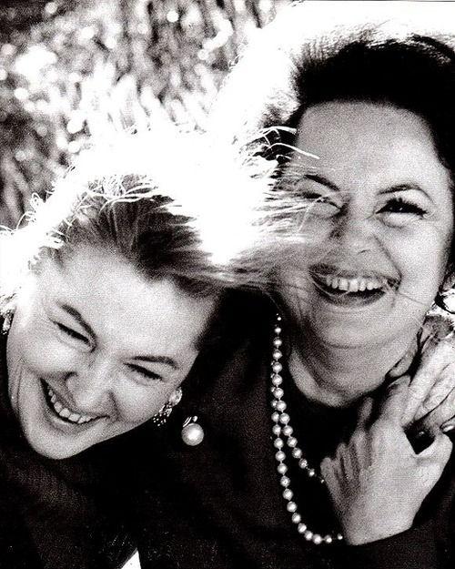 Sisters Joan Fontaine Olivia De Havilland When Olivia
