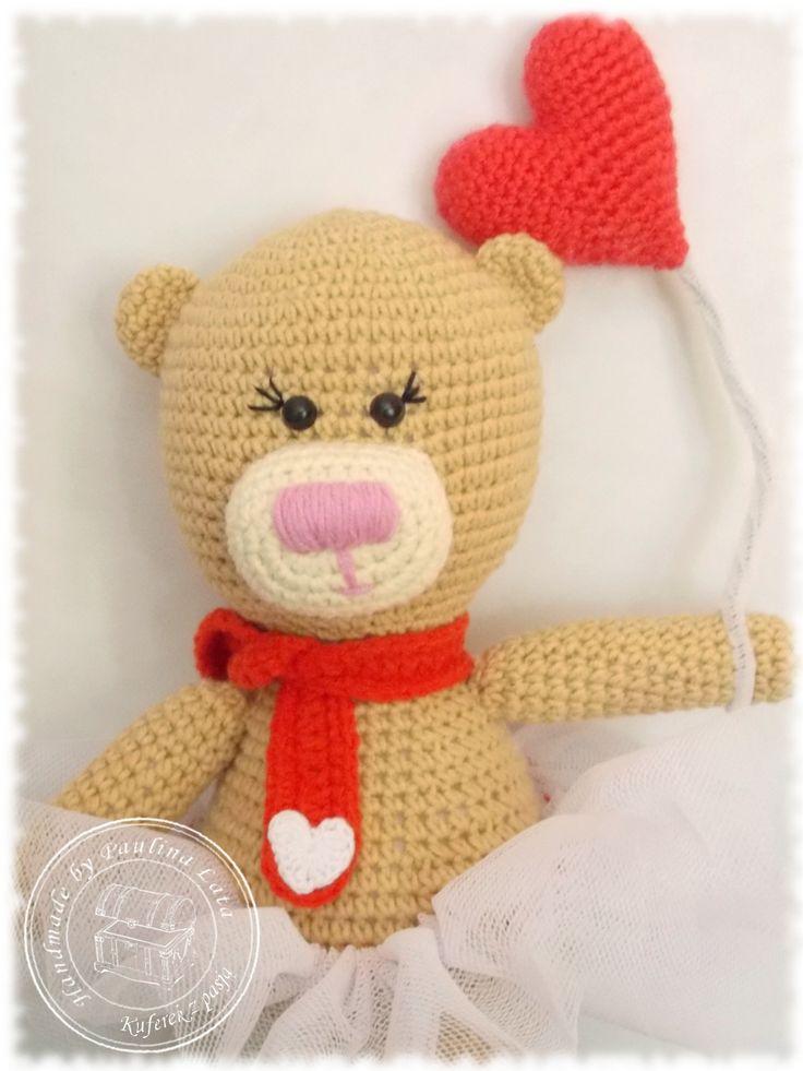 Amigurumi crochet bear with heart, ballerina bear
