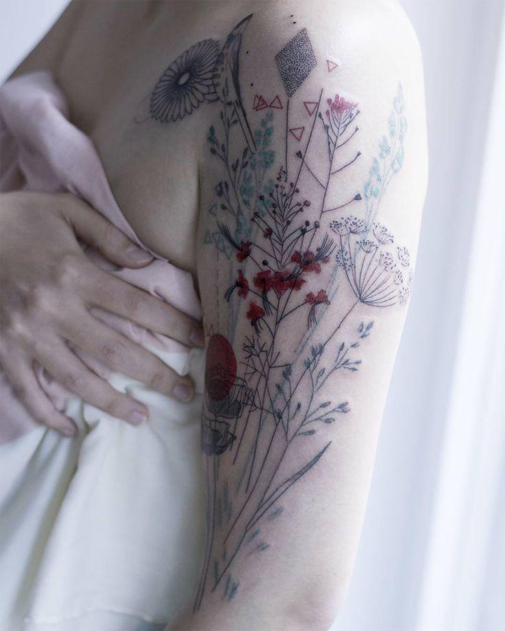 A artista Marta Lipinski iniciou sua carreira no mundo cientifico e foi assistente de um laboratório de química e biologia. Como ela nunca quis estar nessa área por muito tempo, um dia, ela finalme…