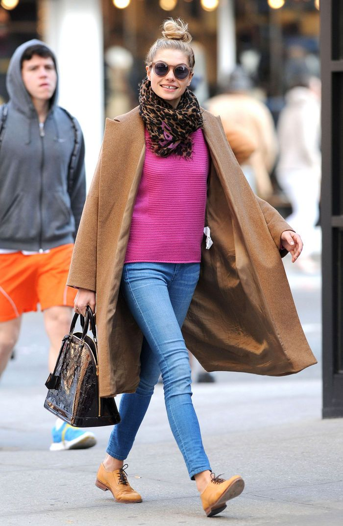 Jessica Hart in an oversized camel coat + pink sweater + skinny jeans + oxfords + leopard-print scarf