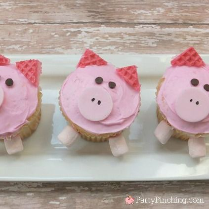 Cute pig cupcakes easy to make with pink wafer cookies fun and easy recipe tutorial for kids dessert easy cupcake ideas adorable treat ideas