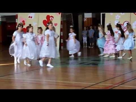 Školní akademie 2014 - 2.B - YouTube