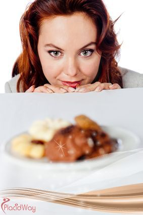 If you thought that craving is only a pregnancy thing, you were wrong. Studies have shown that almost 100% of young women and a little under 70% of young men have food cravings.
