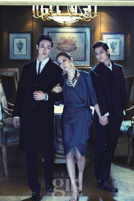 "Kim Bum (right) and the photoshoot's ""married couple,"" Yoo Yeon-seok (left) and Sung Yu-ri (Vogue Girl)"