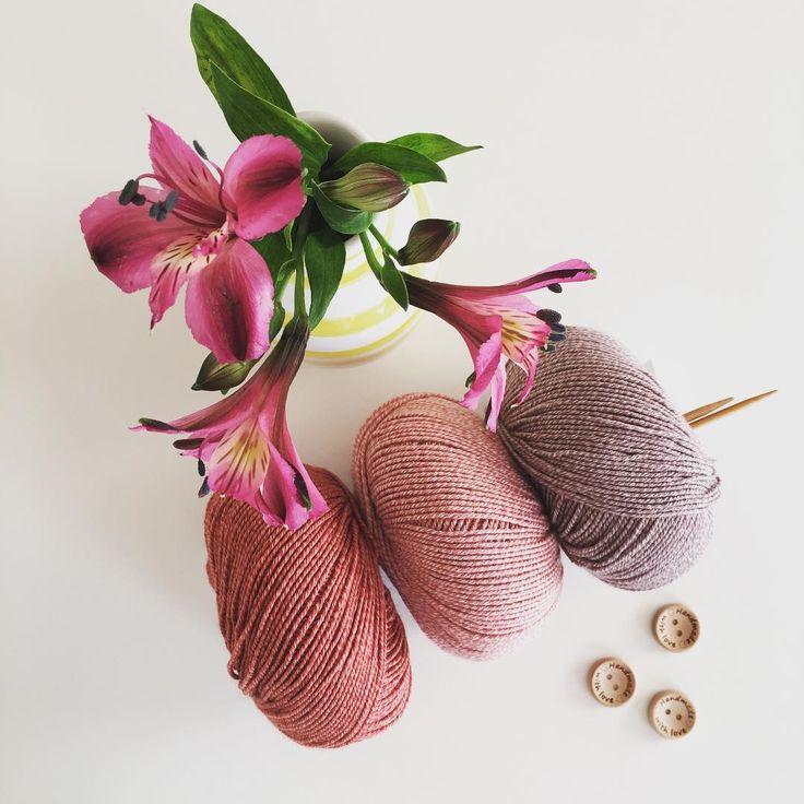 Inspiration til pigestrik med det skønne uld/bomuld blanding fra danske Onion. Måske en stribet soltop eller en lille kjole?