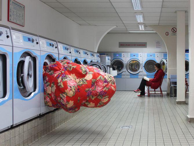 Emilie Faif, Sculpture gonflable pour lavomatic / Kads, Soledad Senlle Art fondation / Amsterdam 2013