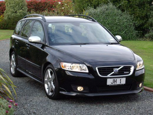 Great looking Volvo V50