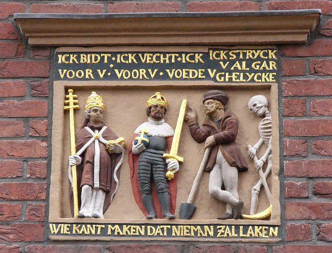 Lange Herenvest 34 Haarlem De drie standen: geestelijken, edelen en boeren. De dood maakt een eind aan de verschillen tussen de standen. Niemand ontsnapt aan de dood!