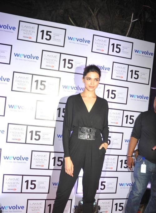deepika-padukone-new-images-0201 Deepika padukone hot, Deepika padukone images, Deepika padukone pictures, Deepika padukone images, Deepika padukone age, Deepika padukone gallery, Deepika padukone songs, Deepika padukone videos,Deepika padukone trailer, Deepika padukone movies, Deepika padukone navel, Deepika padukone lips, Deepika padukone face, Deepika padukone biodata, Deepika padukone hot songs.