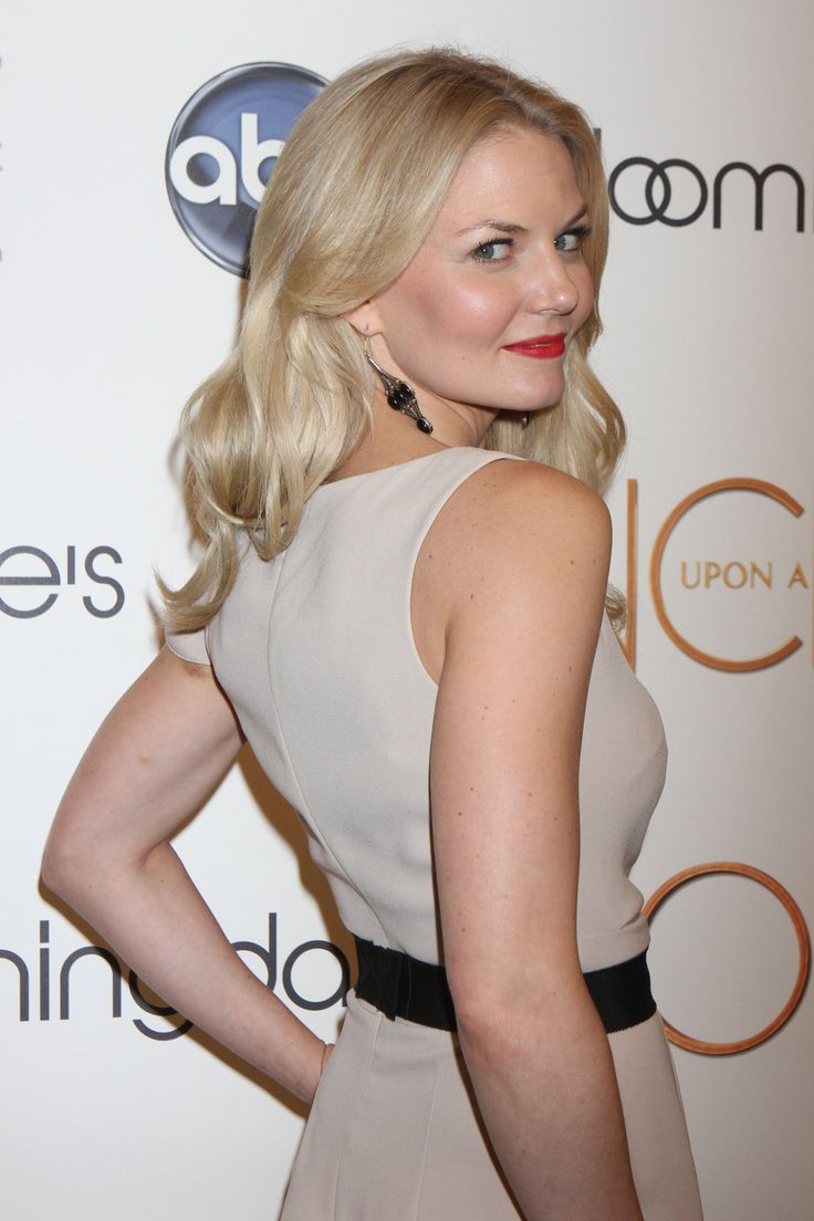 Georgina haig filming once upon a time 06 full size pictures to pin on - Jennifer Morrison At Once Upon A Time Event At Bloomingdale S