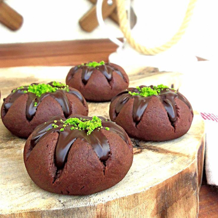 Yanardağ kurabiyesi tarifi Nasıl yapılır çocuk kurabiyesi tatlı yemek tarifleri kolay ölçülü nefis videolu fındık kremalı nutellalı kurabiye yapımı.volcano cookies dessert recipe