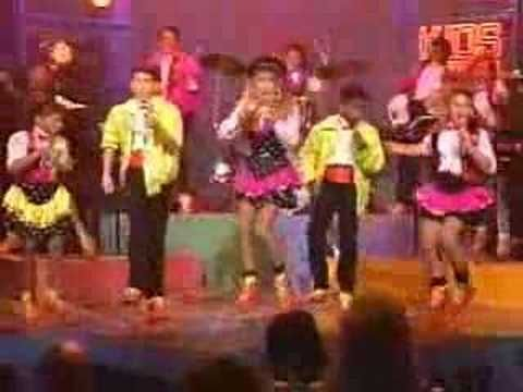1989 Kids Incorporated Theme Song - I knew Fergie was Stacey.. I had no idea Jennifer Love Hewitt was in here too!