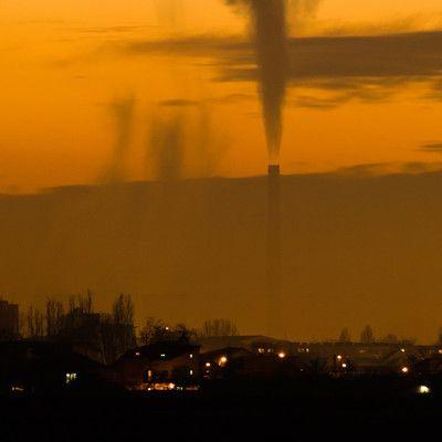 Какая кислота является причиной появления кислотных дождей? серная.