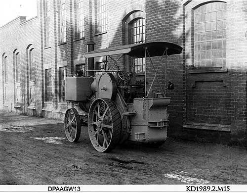 Traction engine