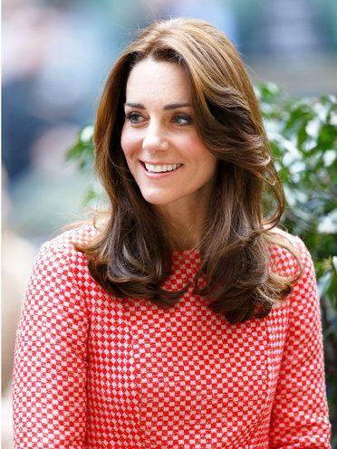外人風ヘアスタイルの参考にしたいのはケンブリッジ公爵夫人キャサリン妃!春風をはらんで軽やかな髪型・カット・アレンジ♪