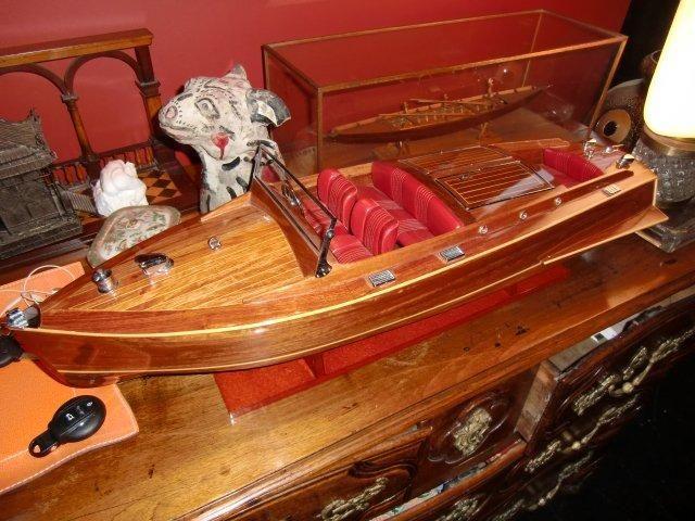 Maquette de bateau américain de lac en bois. H. 23 - L. 82 - P. 24 cm - Mathias - Baron Ribeyre & Associés, Farrando SVV - 28/01/2015