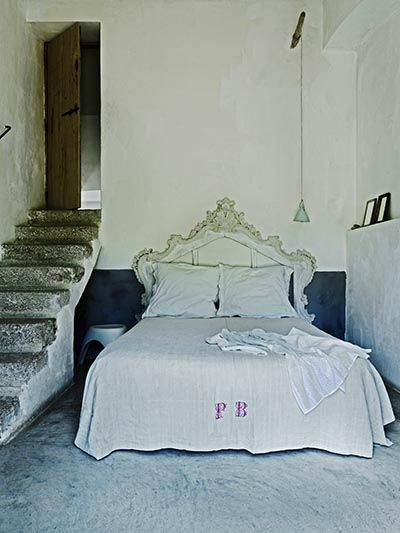 French linens  Luberon bastide-FleaingFrance: Kids Outfits, For Kids, Open Spaces, French Linens, Beds Spreads, Bedrooms Furniture, Bedrooms Decor, Interiors Decor, Beds Headboards