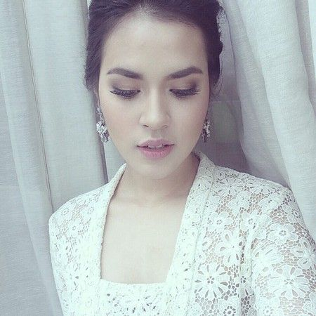 Raisa Andriana. gorgeous singer from indonesia, lovely voice and stunning figure...^^