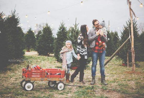 Christmas Tree Farm Family Shoot by Alissa Saylor Photography // wagon rental via Stockroom Vintage