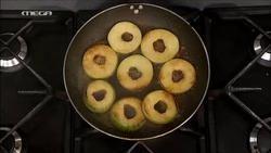 Ζεστά σάντουιτς σοκολάτας με καραμελωμένα μήλα