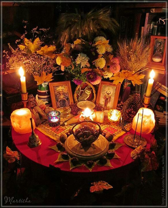 Mabon Altar - Pinned by The Mystic's Emporium on Etsy                                                                                                                                                      More