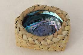 paua flax basket