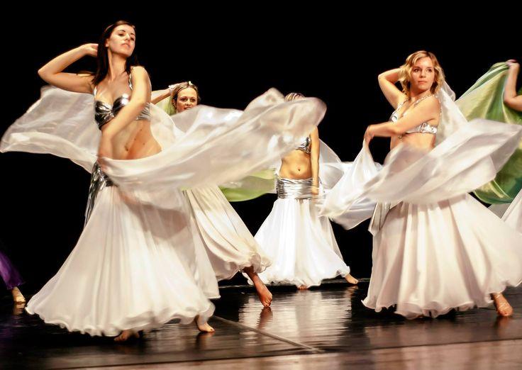 """immagine tratta dallo spettacolo """"Quelli di... Aries"""" del 22 giugno 2014 ì, il nostro #spettacolo di fine anno! #danzadelventre a Spazio Aries"""