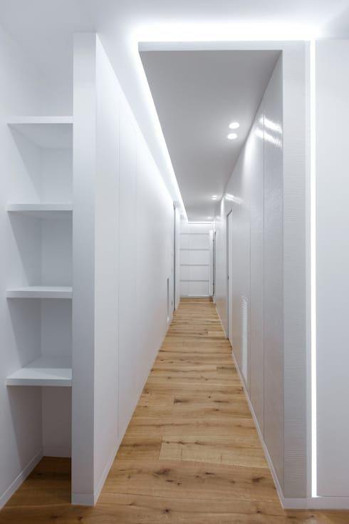 Casa – Studio: Ingresso, Corridoio & Scale in stile in stile Moderno di ARCHILAB architettura e design