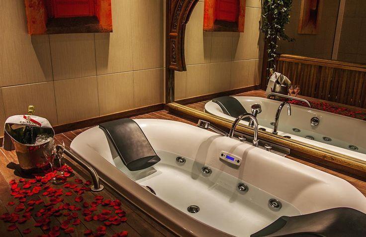 ❤️ Pour un weekend en amoureux rendez vous à l'Hôtel - Spa Le Lion d'Or en Normandie ❤️ #love #hotel #spa #roses #detente #relax #normandie #normandy #deauville #amour #couple