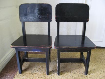 $25.00 - 2x BLACK Vintage KIDS CHAIRS Children's Play Seat Text 0411691171