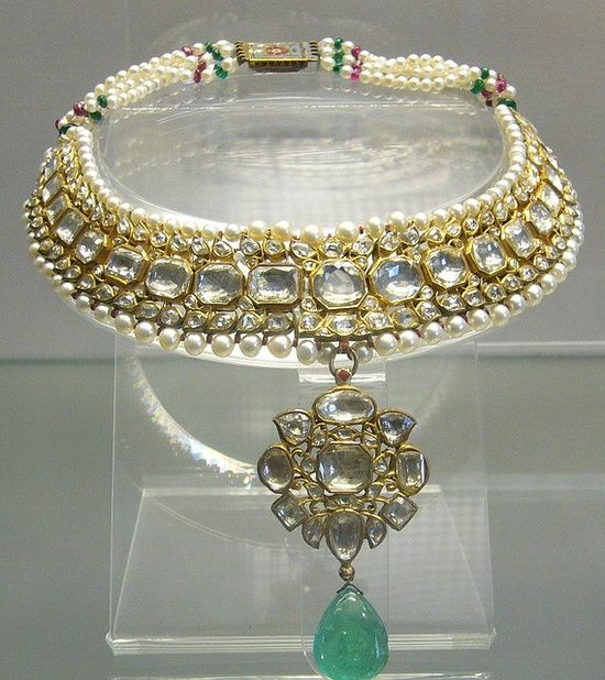 18th century raw diamond necklace featuring an astonishing emerald with pearls and rubies Owned By Mughal Emperor Shajahan.