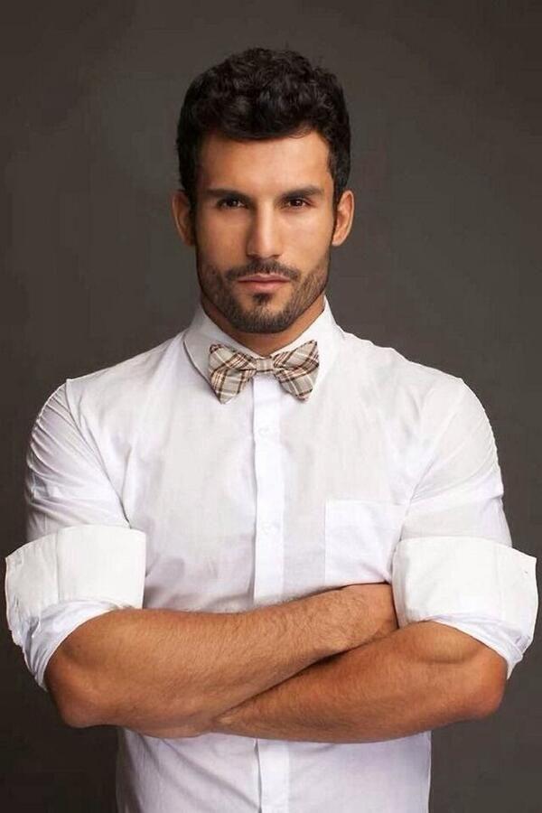 La barba es un símbolo de masculinidad por excelencia y luce mucho mejor cuando esta delineada y bien cortada.
