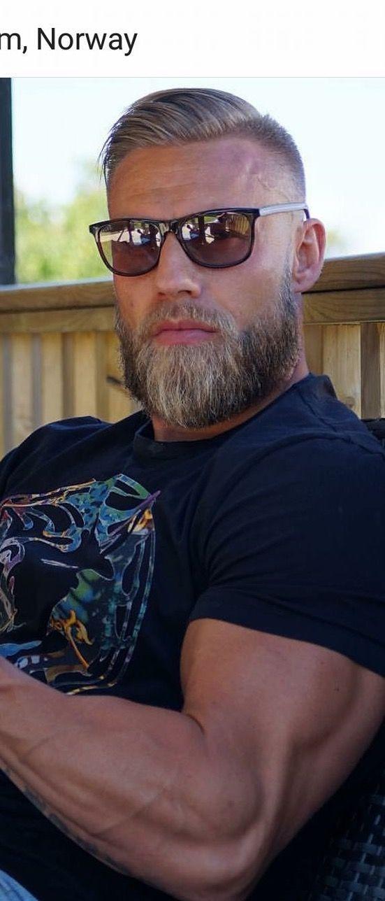 Big beard or big biceps? Why not both?