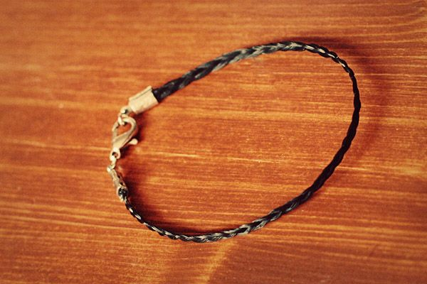 Horsehair Bracelet tutorial.  Sharing this with the granddaughters.  <3