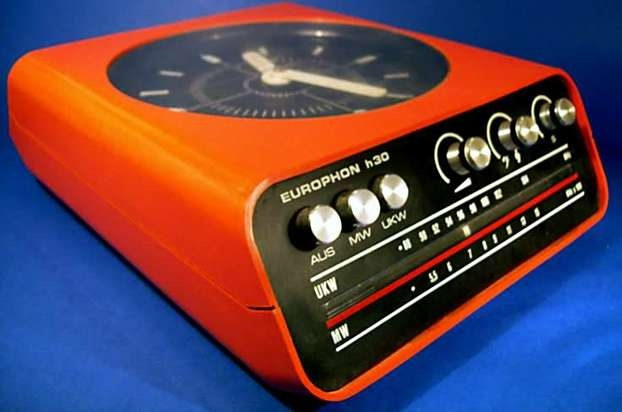 Il radio-orologio Europhone.  http://www.leonardo.tv/storia-del-design/design-anni-60-icone/radioorologioeurophone