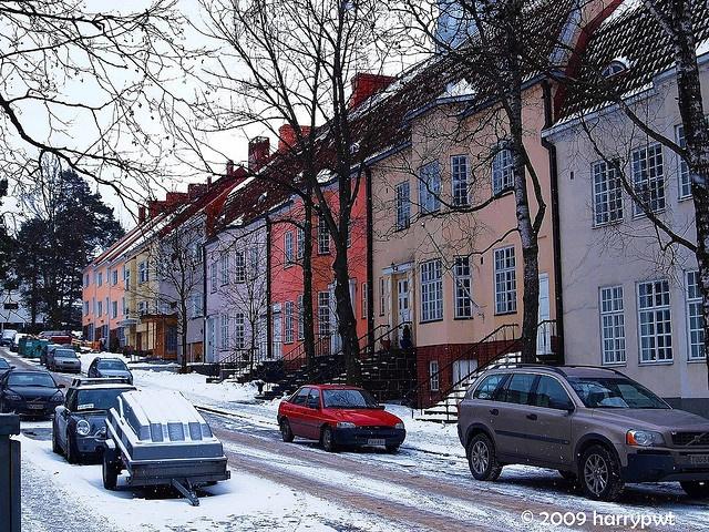 Apartments in Munkkiniemi Helsinki Finland (Hollantilaisentie).