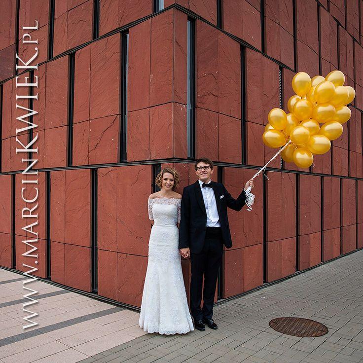 Bardzo dziękuję fantastycznej Parze - Marcie i Romkowi - za genialną współpracę podczas sesji zdjęciowej. Oraz Marcie za nowe spojrzenie i świeże pomysły w realizacji fotoksiążki - wyszło wspaniale  I okazało się, że Katowice są piękne!!!  #sesjaslubna  #sesjazdjeciowa   #sesjaslubnawmiescie   #slub   #wesele   #fotografslubny   #zdjecieslubne   #miasto   #Katowice   #zdjecia   #fotografKrakow  #najlepszyfotografslubny