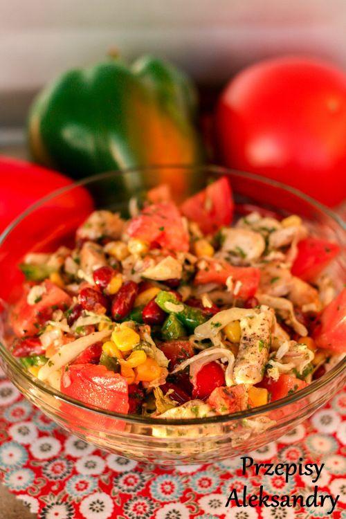 Sałatka z kurczakiem i sosem miodowo-musztardowym / Salad with chicken and mustard-honey dressing