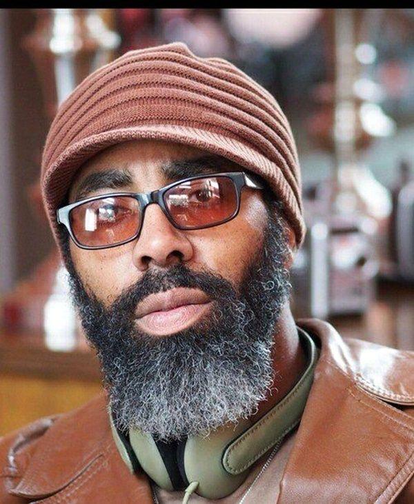 25 best ideas about black men beards on pinterest handsome bearded men handsome black men. Black Bedroom Furniture Sets. Home Design Ideas