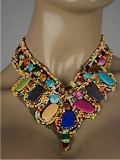 Collar pectoral piedritas $60.000. Encuentra nuestra nueva colección en el Centro Comercial Country Plaza Local 1-A sobre la calle 78 - Barranquilla: Teléfono 3 58 10 77 Whatsapp: 320 5745453. ¡Te esperamos!