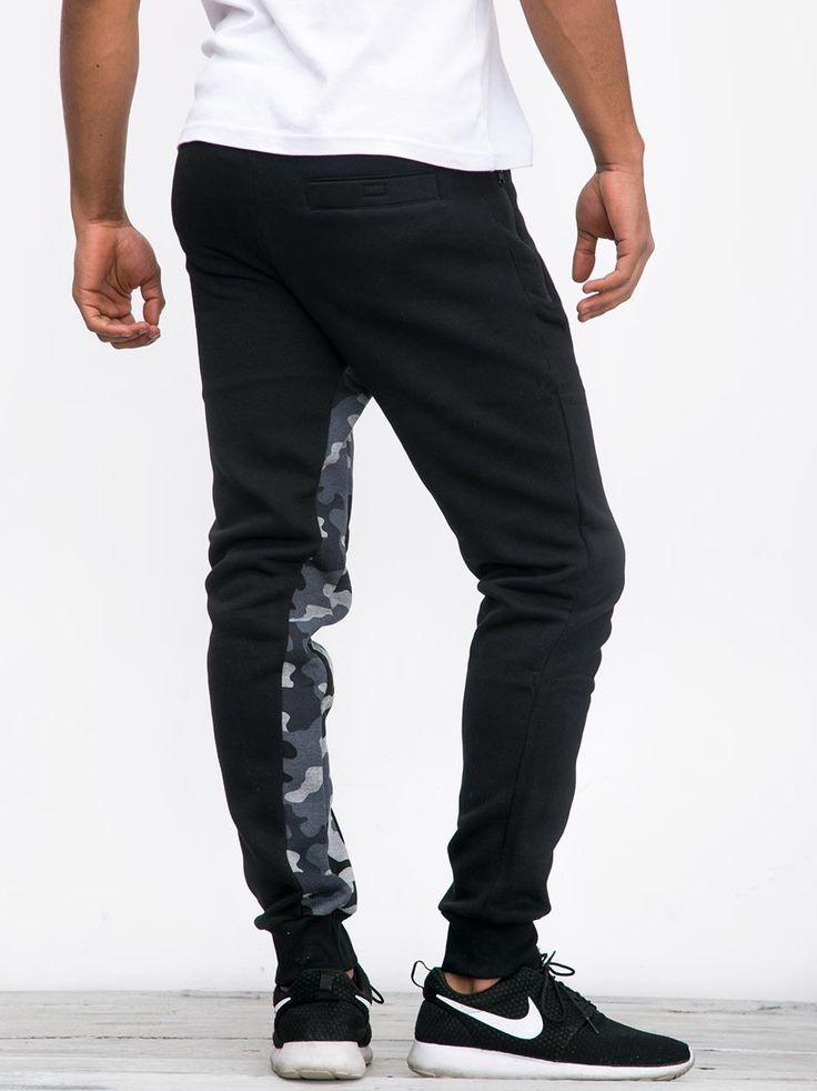 https://www.urbancity.pl/spodnie-urbancity-jogger-peel-camo-crotch-black-on-5-k-58211-p