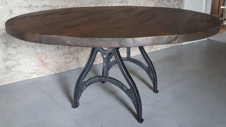 55 beste afbeeldingen van industrial vintage design tables by dt 69 industri le tafel ontwerp. Black Bedroom Furniture Sets. Home Design Ideas