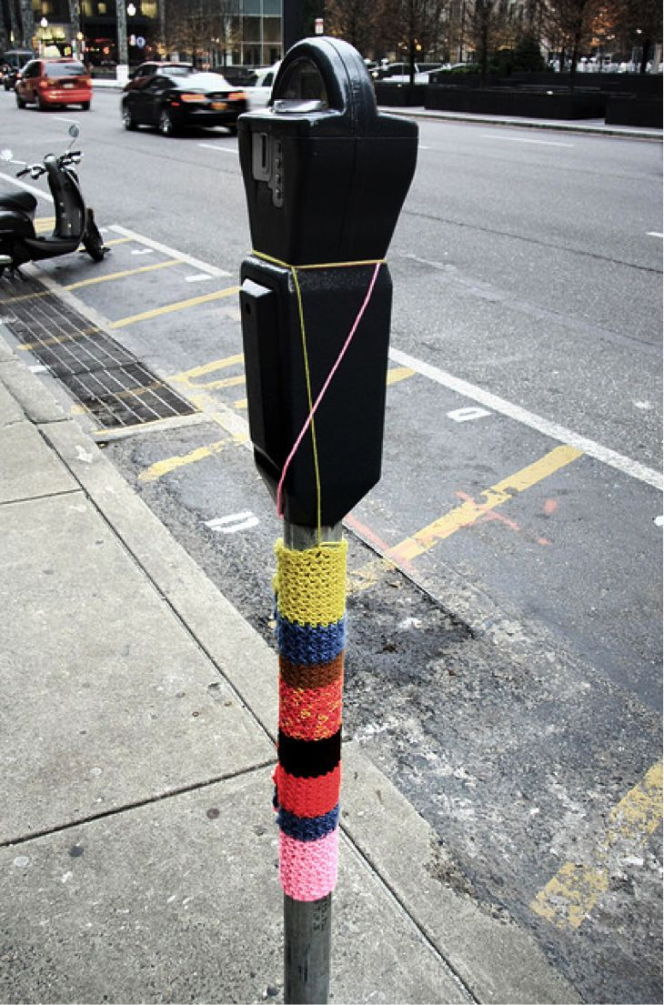 yarn bombing 101 how to yarn bomb in 5 steps yarns yarn bombing and blog. Black Bedroom Furniture Sets. Home Design Ideas