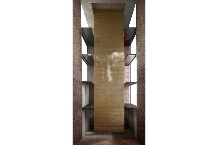this is one of the highest contemporary earth wall in Europe. 15 meter of pure rammed earth . Great teamwork from AST 77 architects, BC studies, util, het leemniscaat and argilières Hins  © project Peter Van Impe © photo Steven Massart